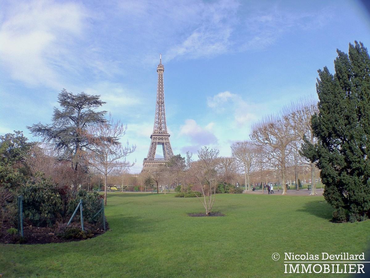Champ de Mars – Balcon et vue – 75007 Paris (1)
