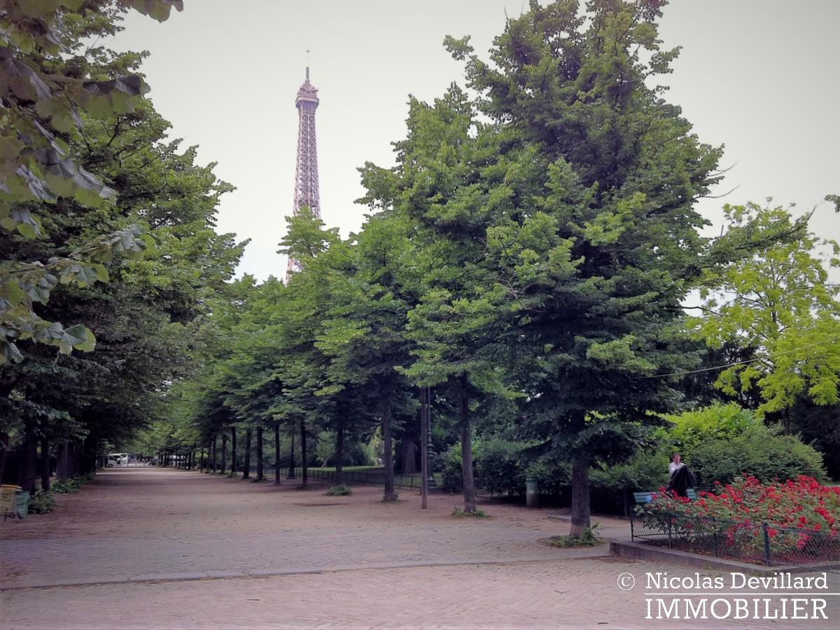 Champ de Mars – Balcon et vue – 75007 Paris (17)