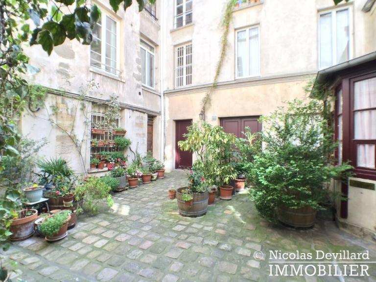 Marais – Sur jolie cour au soleil – 75003 Paris (1)