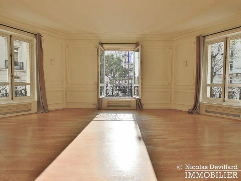Trocadéro – Volumes et lumière - 75116 Paris (33)