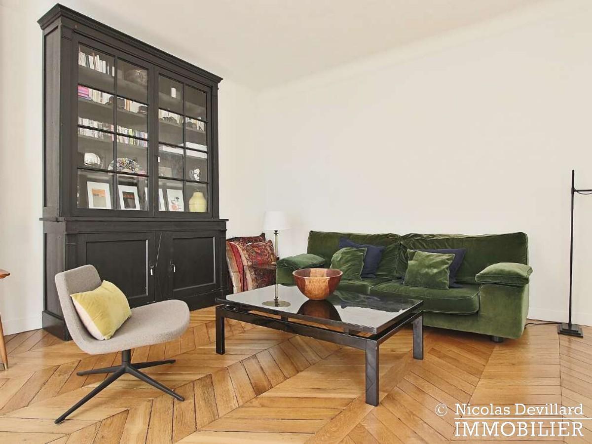 Place des VictoiresBourse – Rénové, spacieux et déco vintage – 75002 Paris (19)