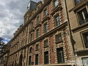 Place des VictoiresBourse – Rénové, spacieux et déco vintage – 75002 Paris (31)