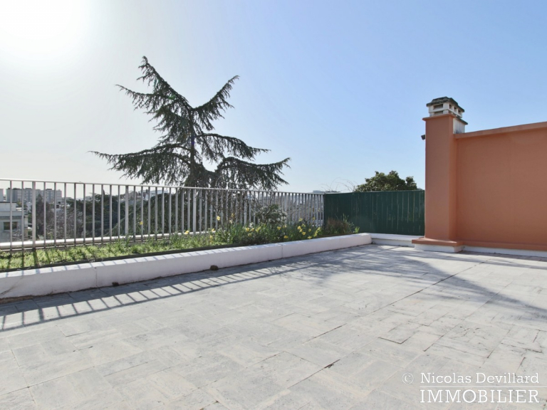 BoisSaint-James – Dernier étage terrasse sur jardins – 92200 Neuilly-sur-Seine (74)