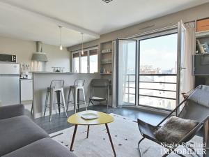 Marché Lévis – Dernier étage, terrasse et vue dégagée – 75017 Paris (60)