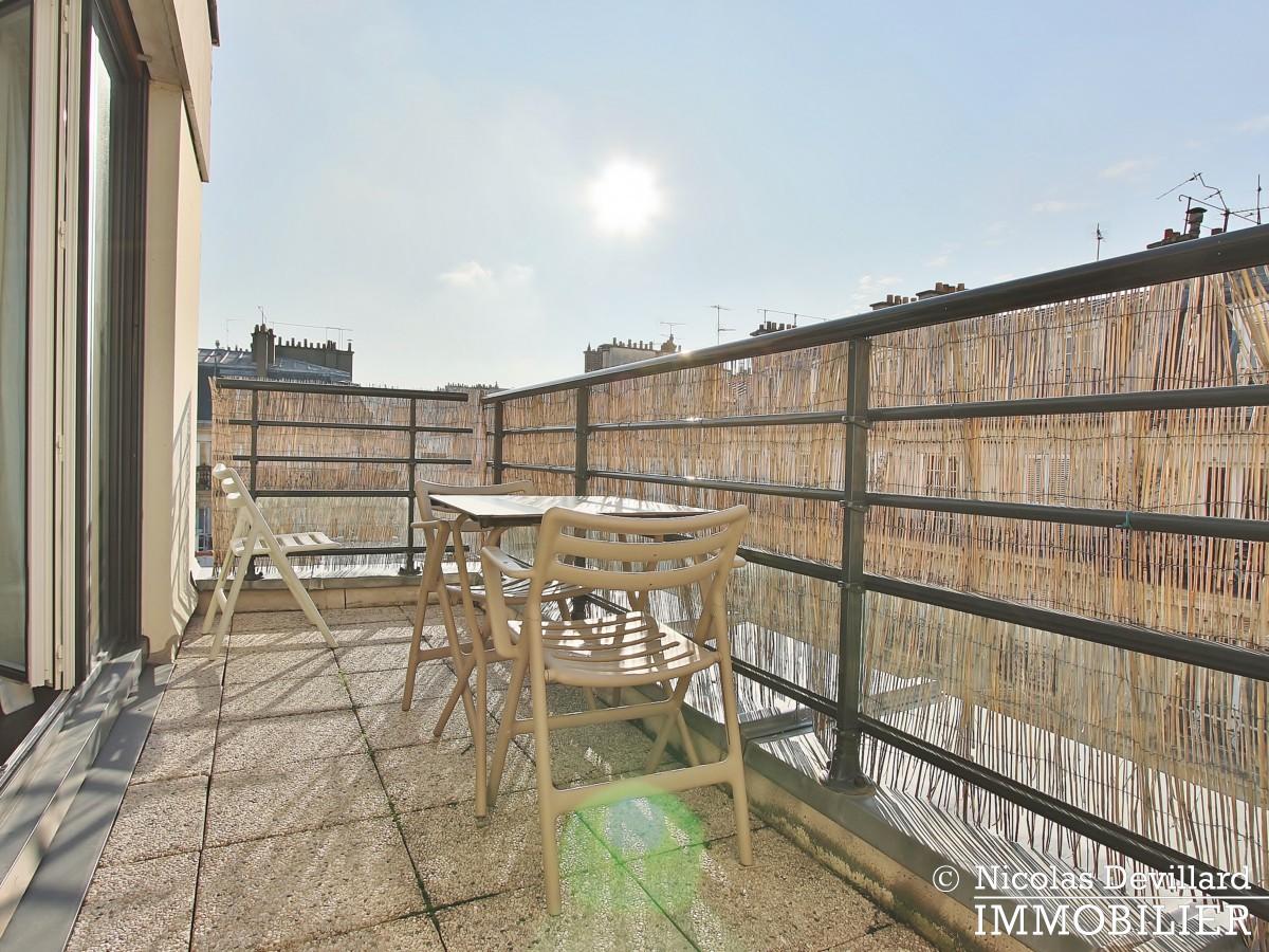 Marché Lévis – Dernier étage, terrasse et vue dégagée – 75017 Paris (71)