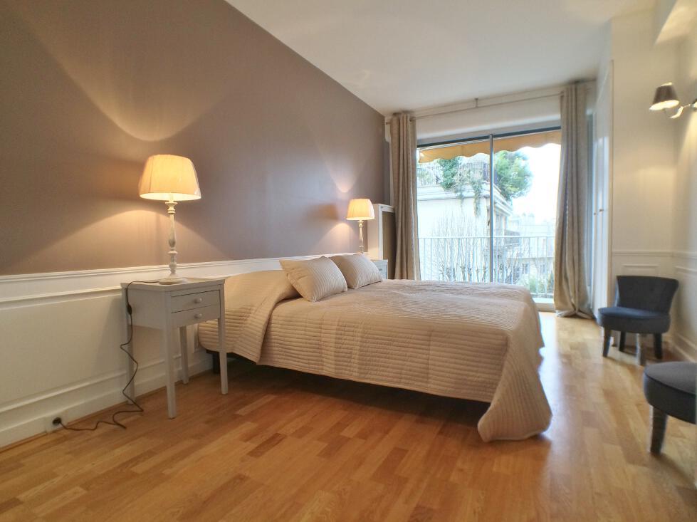 BoisSaint-James-–-Dernier-étage-terrasse-sur-jardins-–-92200-Neuilly-sur-Seine-15