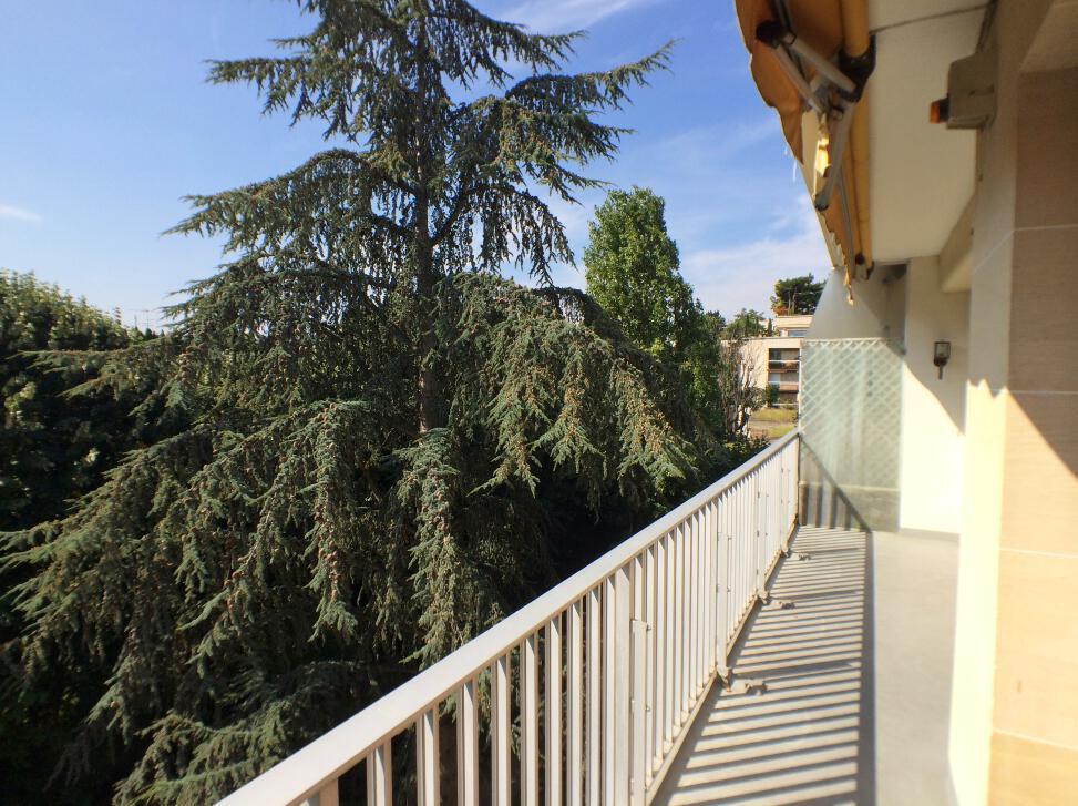 BoisSaint-James-–-Dernier-étage-terrasse-sur-jardins-–-92200-Neuilly-sur-Seine-24