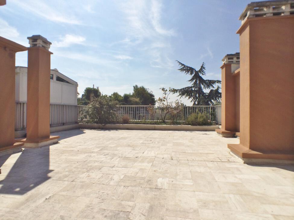 BoisSaint-James-–-Dernier-étage-terrasse-sur-jardins-–-92200-Neuilly-sur-Seine-28