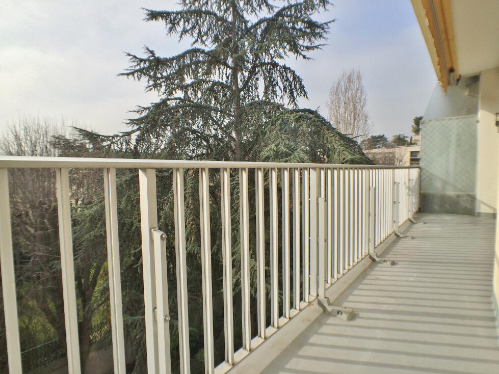 BoisSaint-James-–-Dernier-étage-terrasse-sur-jardins-–-92200-Neuilly-sur-Seine-8