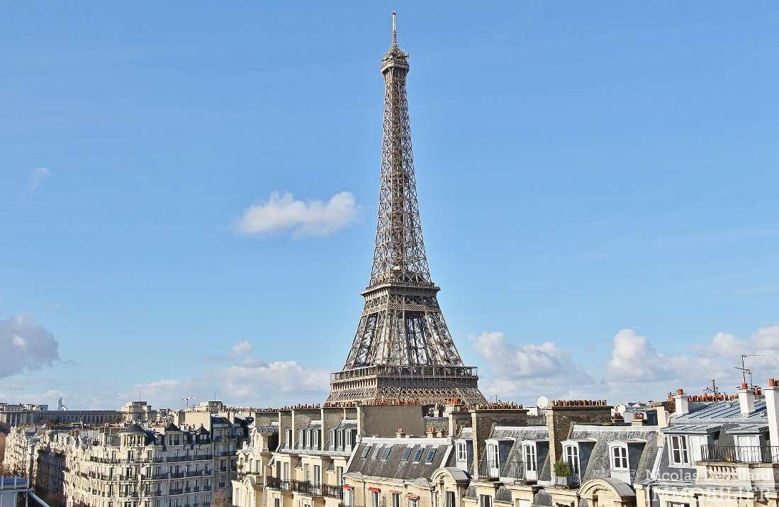 Champ-de-Mars-–-Dernier-étage-terrasse-et-vues-–-75015-Paris-1