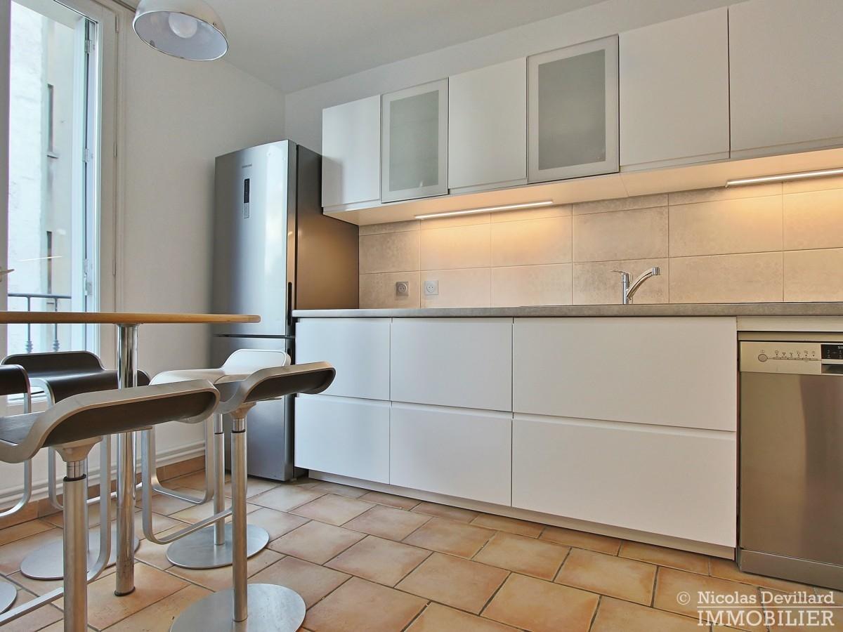 Cherche-Midi-–-Dernier-étage-terrasse-calme-et-rénové-–-75006-Paris-13