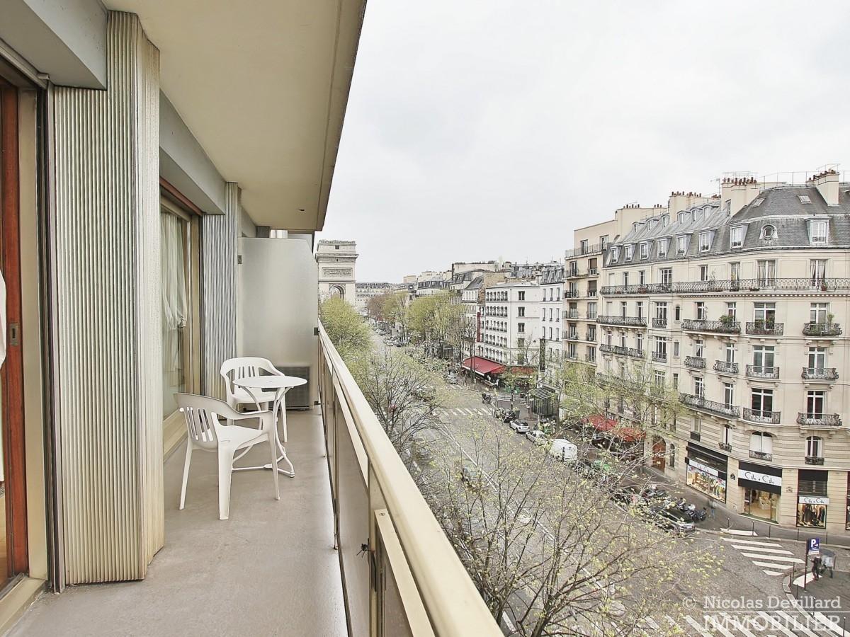 Etoile-–-Volume-lumière-et-balcon-–-75008-Paris-15