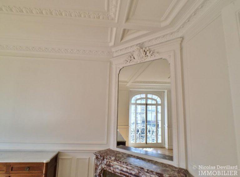 LévisMonceau-–-Classique-ensoleillé-sur-les-arbres-–-75017-Paris-44