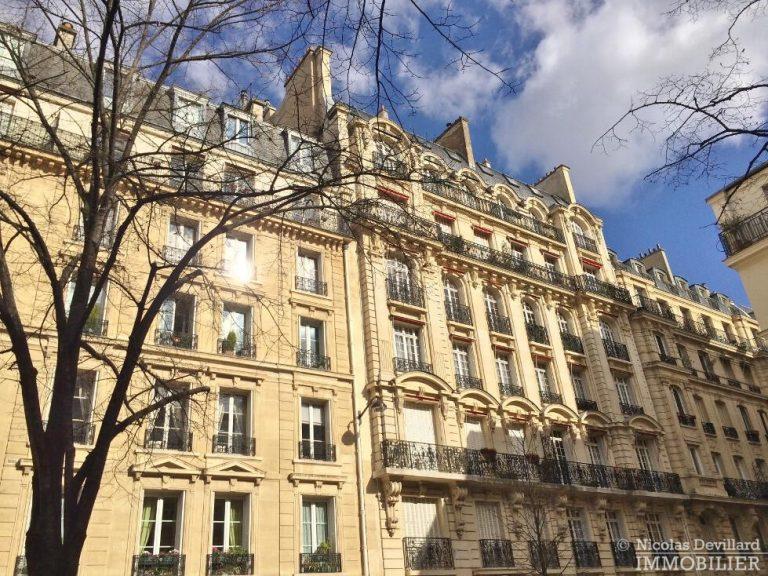 LévisMonceau-–-Classique-ensoleillé-sur-les-arbres-–-75017-Paris-56