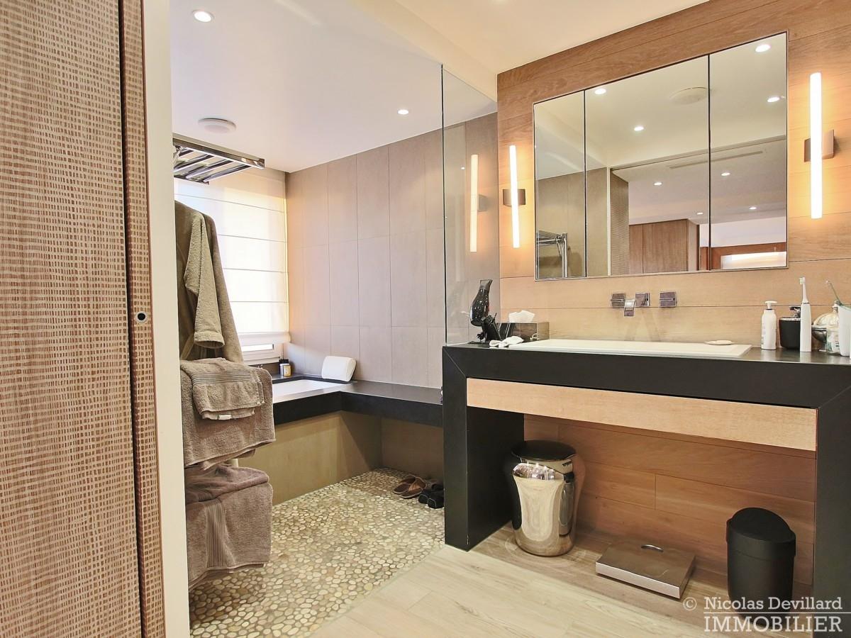 La-Muettevillage-de-Passy-–-Penthouse-dernier-étage-avec-terrasses-–-75116-Paris-39
