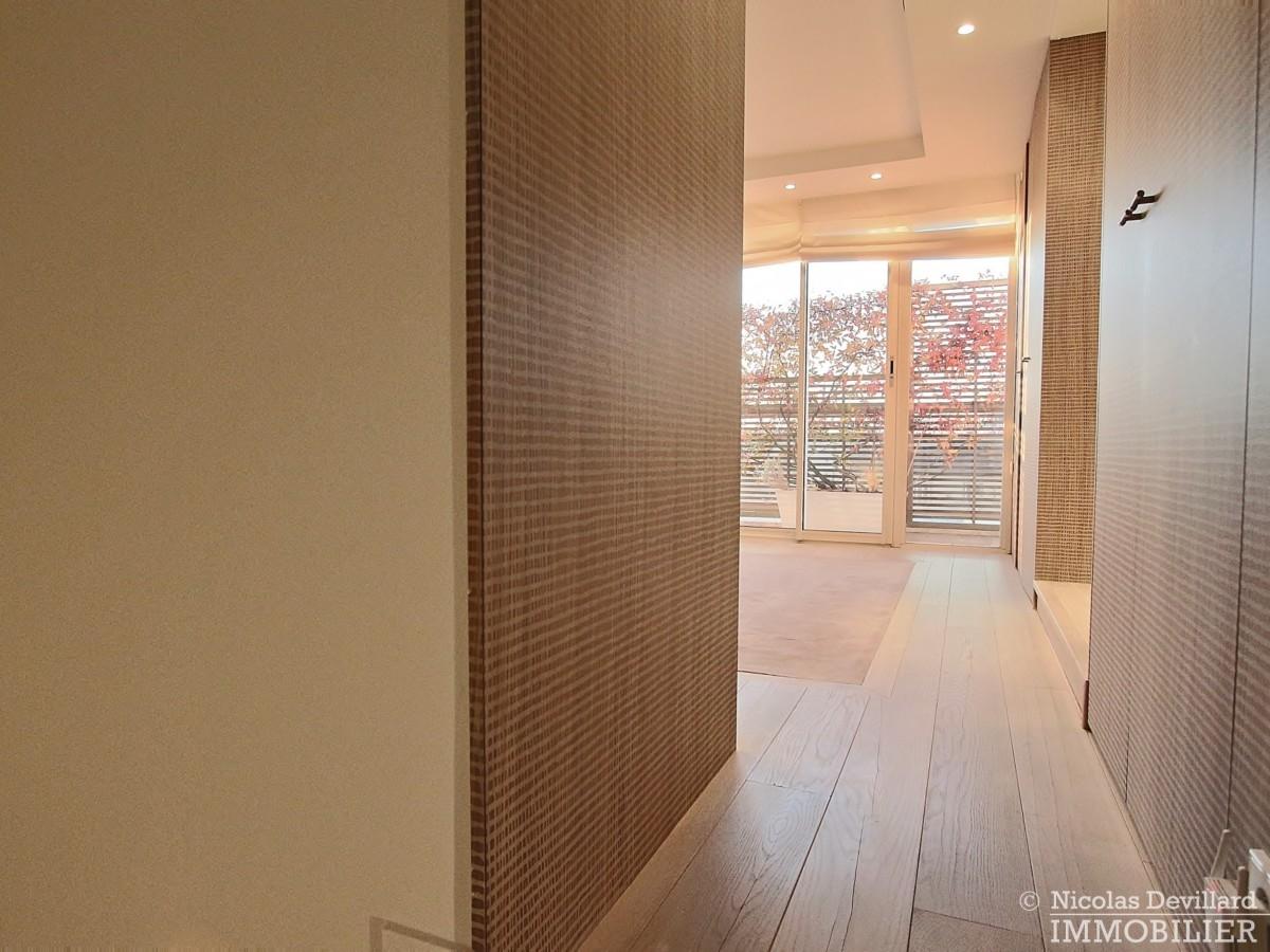 La-Muettevillage-de-Passy-–-Penthouse-dernier-étage-avec-terrasses-–-75116-Paris-40