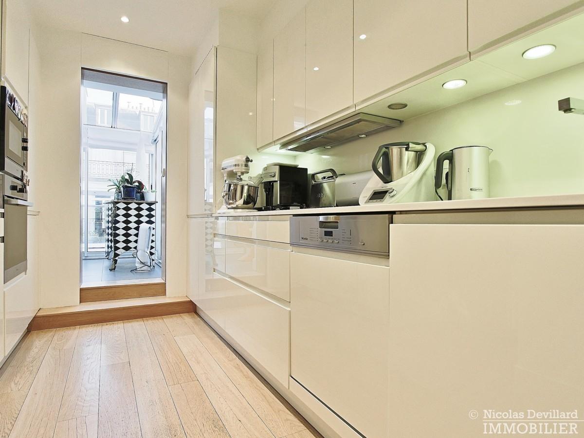 La-Muettevillage-de-Passy-–-Penthouse-dernier-étage-avec-terrasses-–-75116-Paris-9