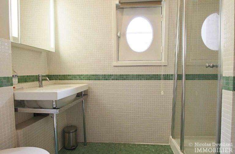 MaraisPlace-des-Vosges-–-Dernier-étage-dans-un-hôtel-particulier-–-75004-Paris-17