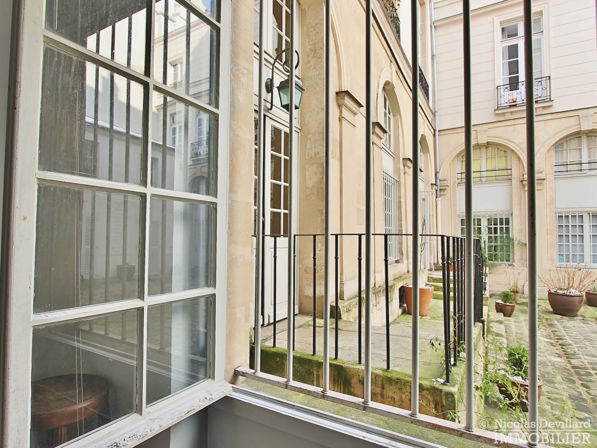 MaraisSaint-Paul-–-Charme-volume-et-calme-en-duplex-–-75004-Paris-16
