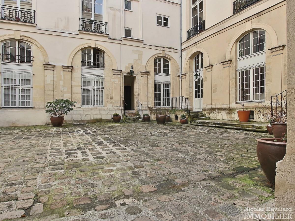 MaraisSaint-Paul-–-Charme-volume-et-calme-en-duplex-–-75004-Paris-19