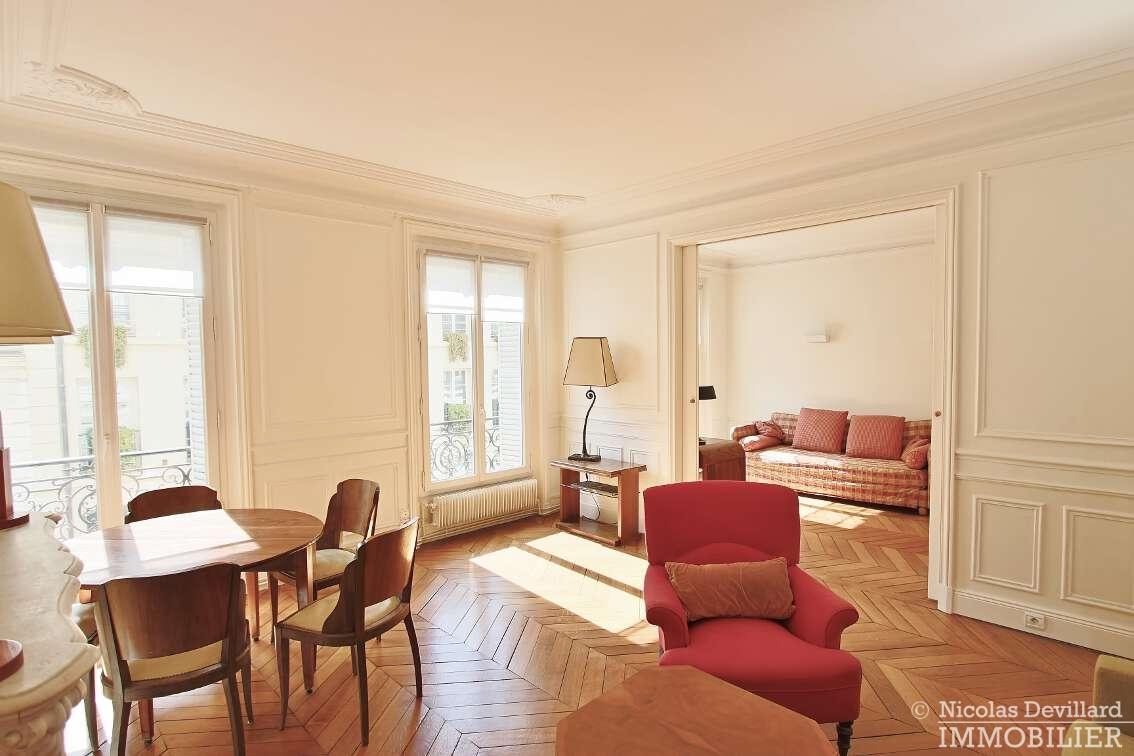 OdéonPont-Neuf-–-Typique-parisien-calme-et-charme-75006-Paris-23