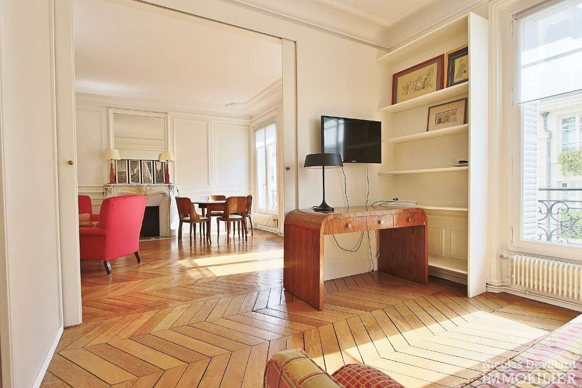 OdéonPont-Neuf-–-Typique-parisien-calme-et-charme-75006-Paris-27