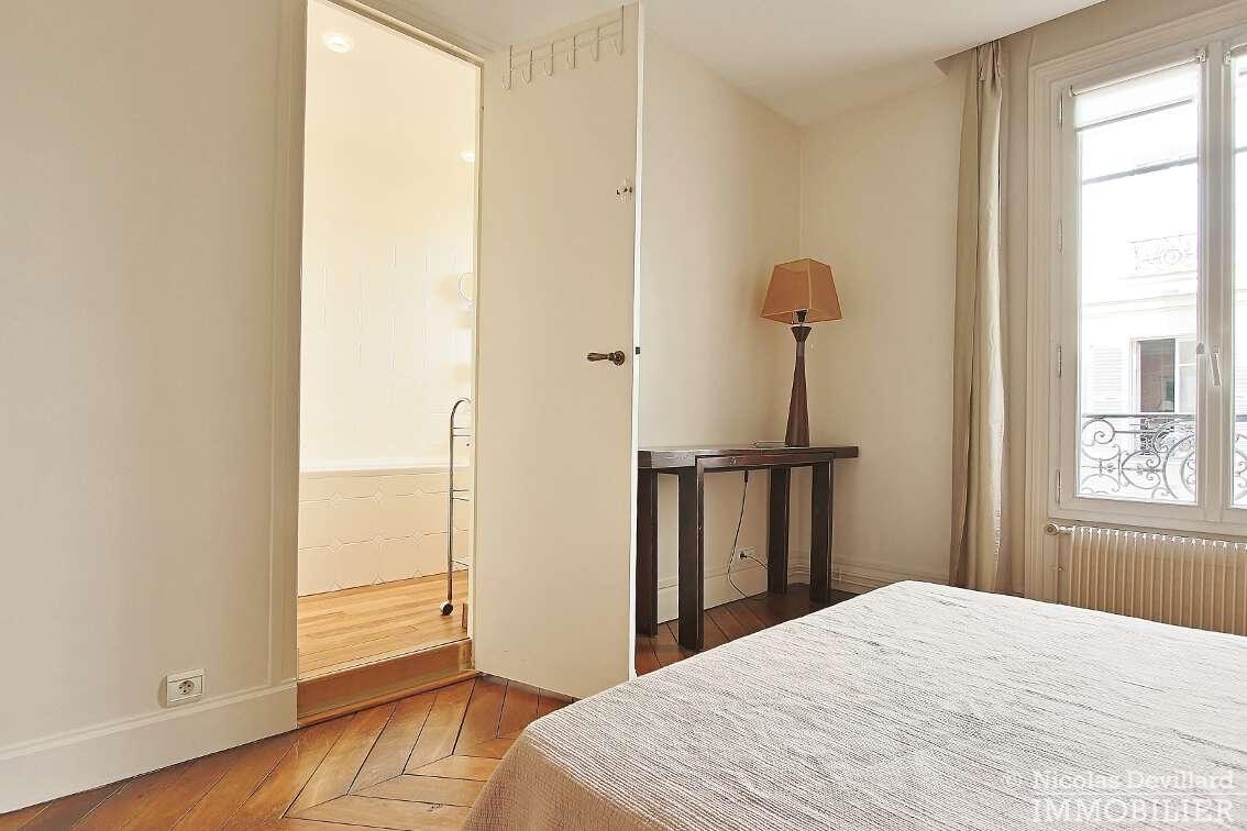OdéonPont-Neuf-–-Typique-parisien-calme-et-charme-75006-Paris-33