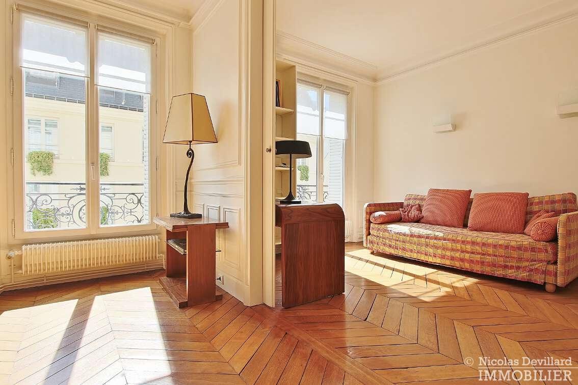 OdéonPont-Neuf-–-Typique-parisien-calme-et-charme-75006-Paris-38