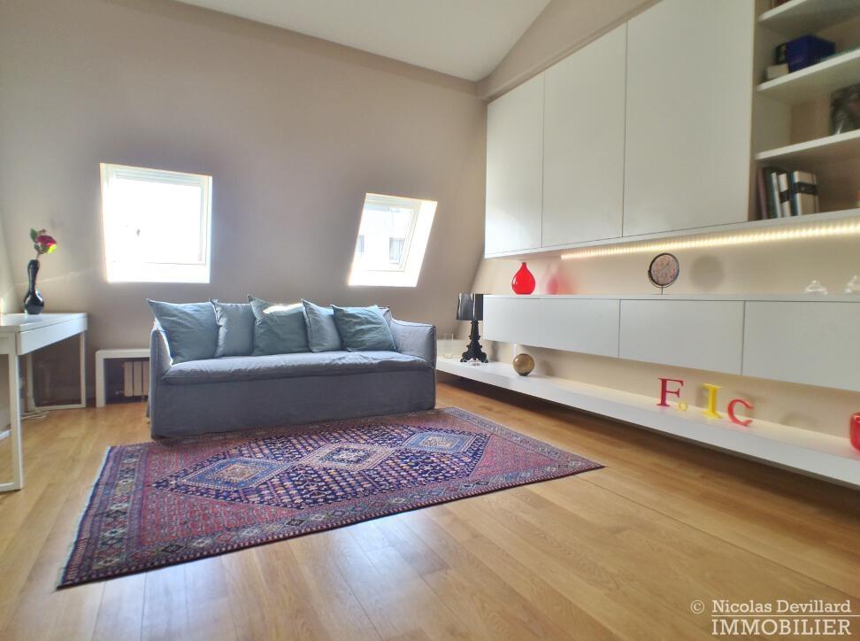 PéreireWagram-–-Luxueux-dernier-étage-plein-soleil-–-75017-Paris-32