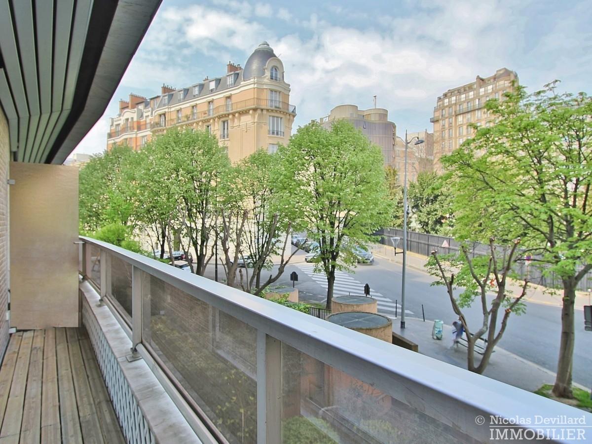 PassyKennedy-–-Rénové-grand-salon-et-vue-sur-jardin-–-75016-Paris-51