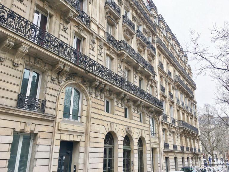 Place-d'Iéna-–-Grande-réception-2-suites-et-vue-–-75116-Paris-1