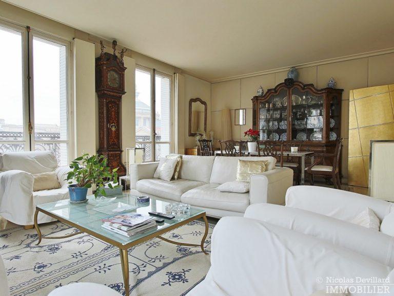 Place-d'Iéna-–-Grande-réception-2-suites-et-vue-–-75116-Paris-11
