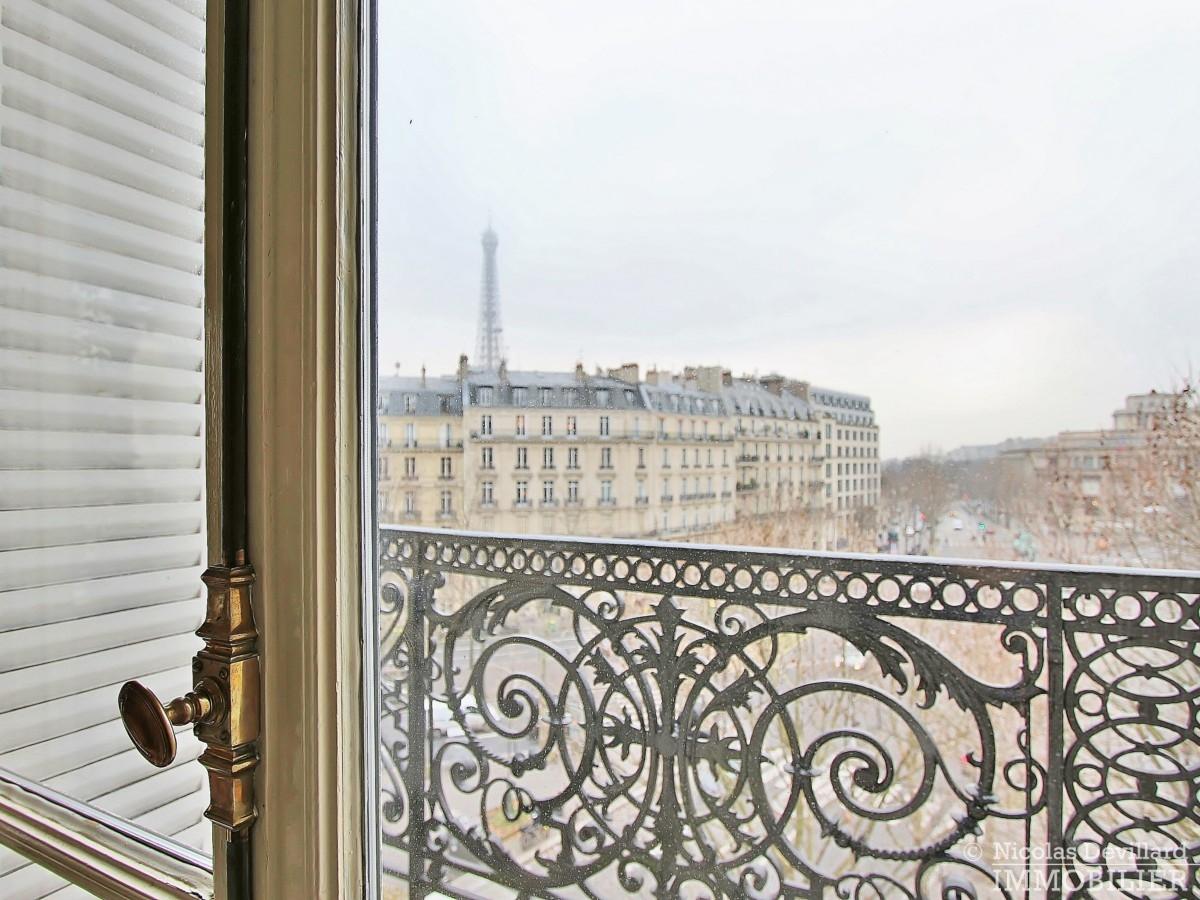 Place-d'Iéna-–-Grande-réception-2-suites-et-vue-–-75116-Paris-12