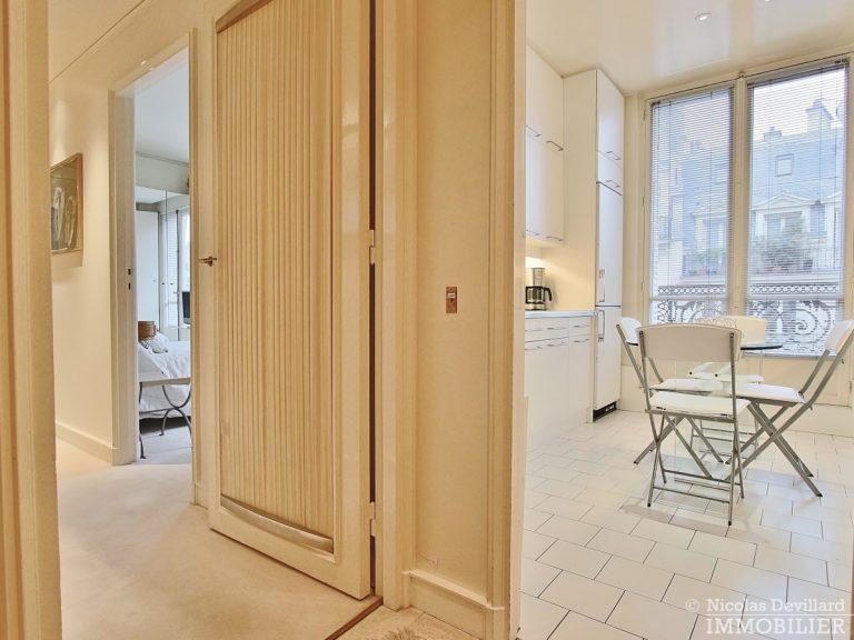 Place-d'Iéna-–-Grande-réception-2-suites-et-vue-–-75116-Paris-18