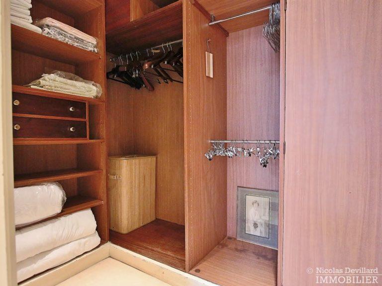 Place-d'Iéna-–-Grande-réception-2-suites-et-vue-–-75116-Paris-22