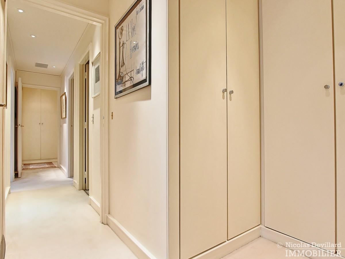 Place-d'Iéna-–-Grande-réception-2-suites-et-vue-–-75116-Paris-25