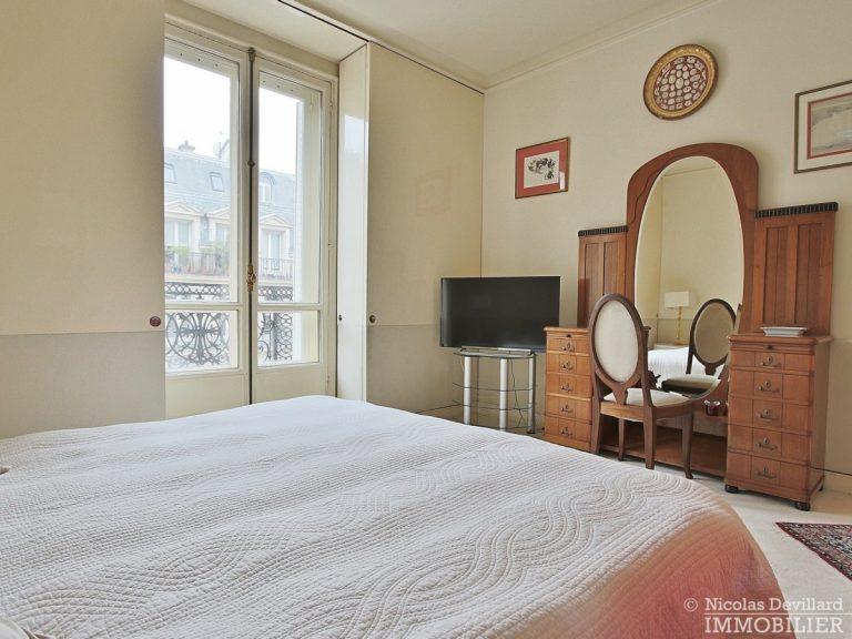 Place-d'Iéna-–-Grande-réception-2-suites-et-vue-–-75116-Paris-32