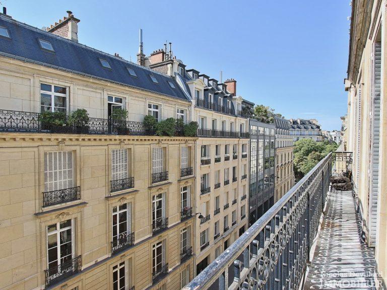 Place-des-Etats-Unis-–-Grands-volumes-calme-et-ensoleillé-–-75116-Paris-20