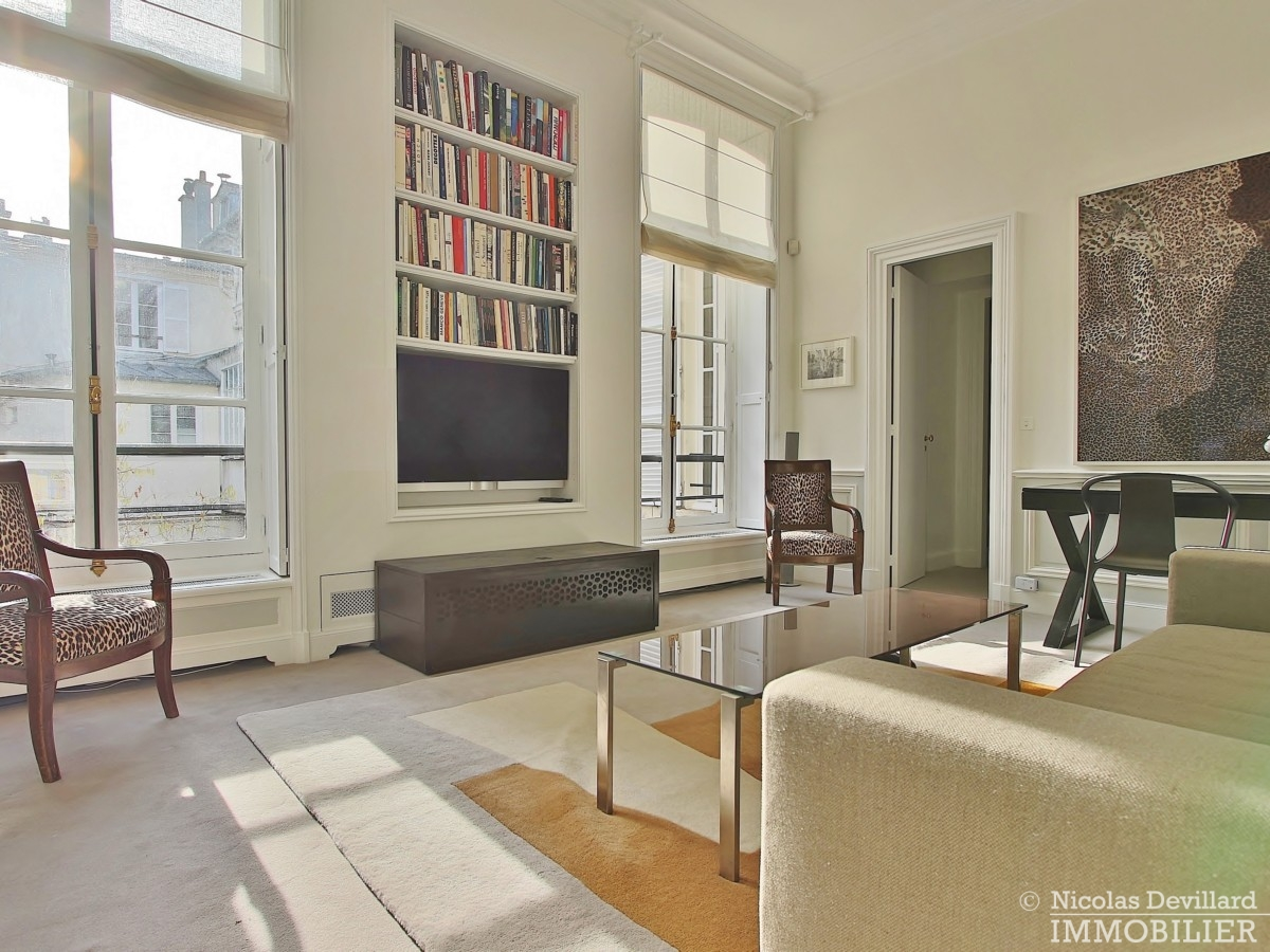 Place-des-VosgesTurenne-–-Somptueux-appartement-de-réception-au-calme-–-75003-Paris-15
