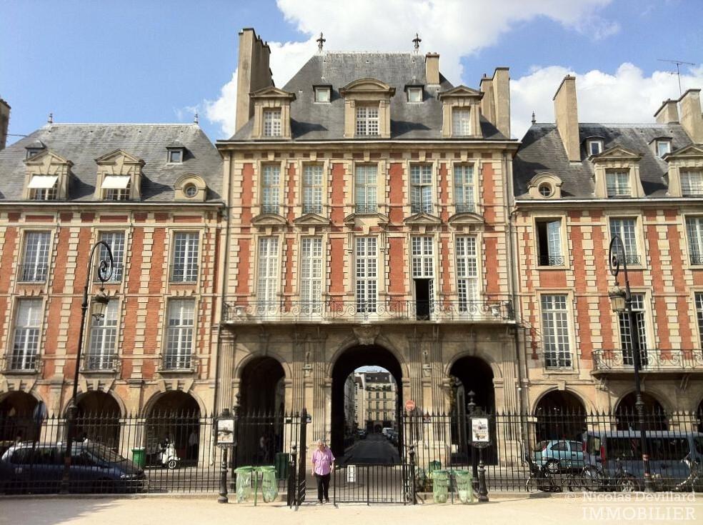 Place-des-VosgesTurenne-–-Somptueux-appartement-de-réception-au-calme-–-75003-Paris-2-1