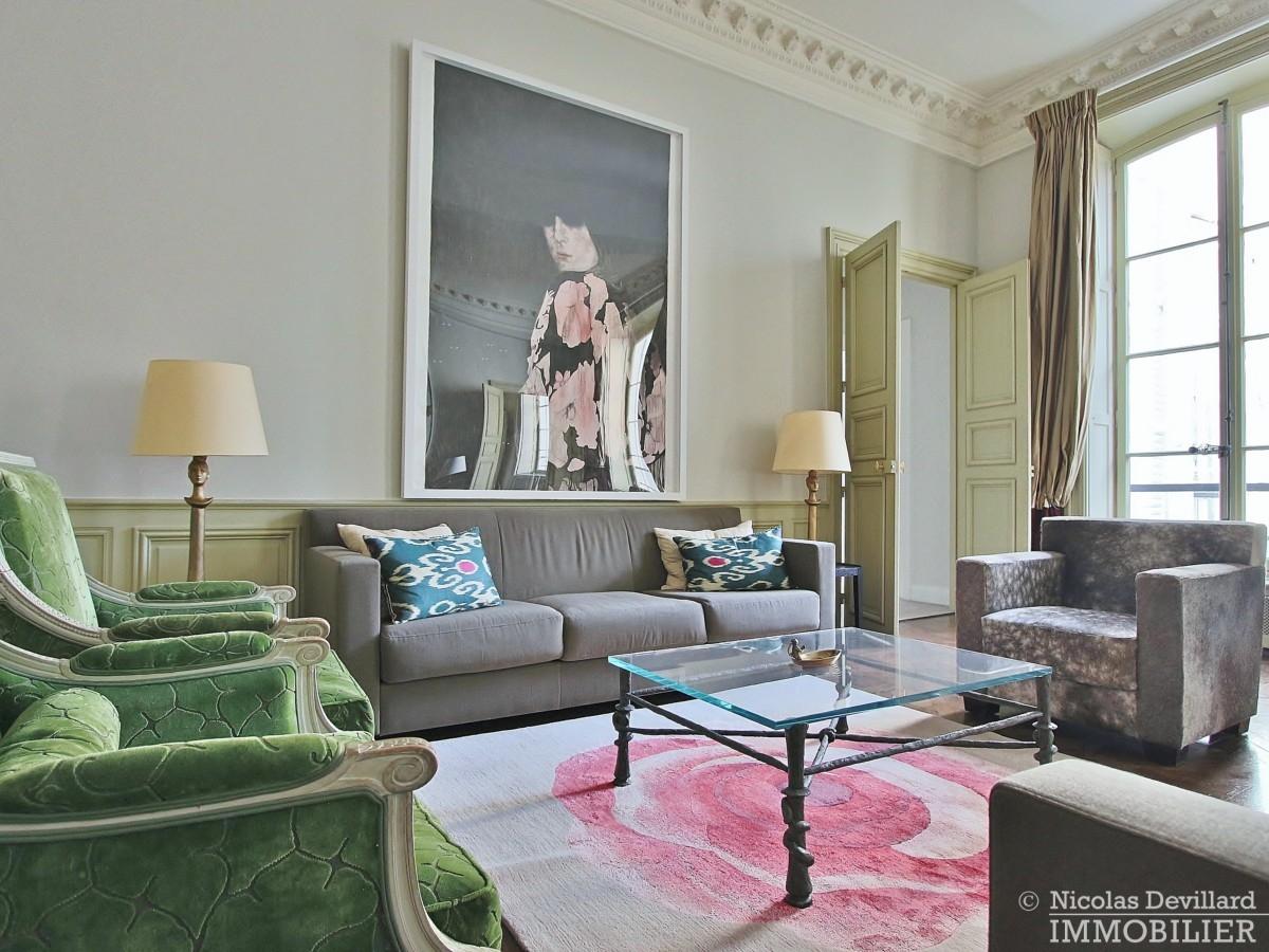 Place-des-VosgesTurenne-–-Somptueux-appartement-de-réception-au-calme-–-75003-Paris-29