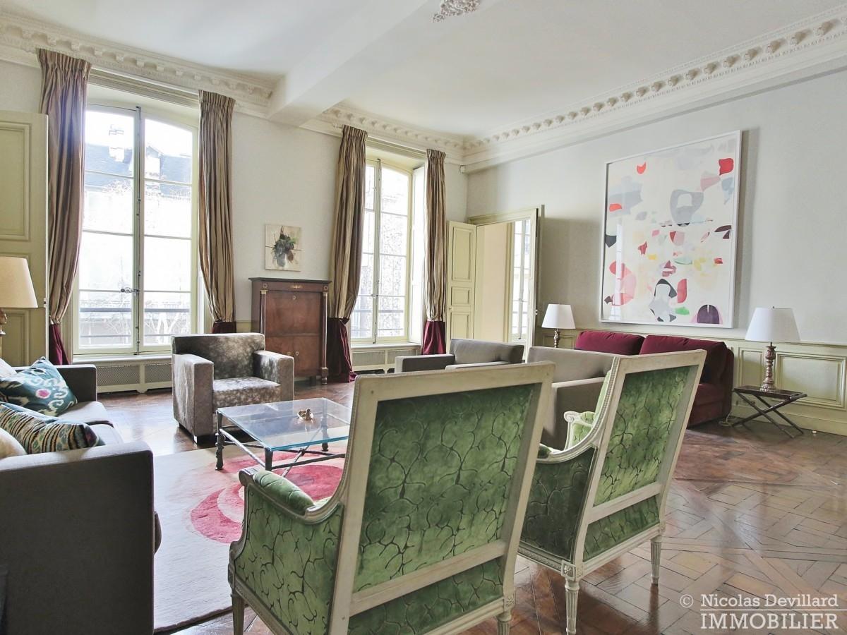 Place-des-VosgesTurenne-–-Somptueux-appartement-de-réception-au-calme-–-75003-Paris-30