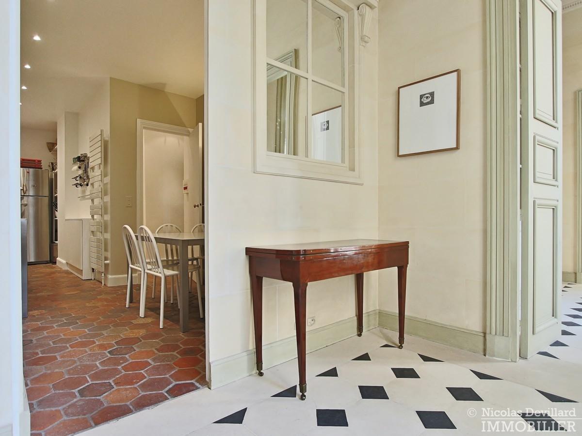 Place-des-VosgesTurenne-–-Somptueux-appartement-de-réception-au-calme-–-75003-Paris-39