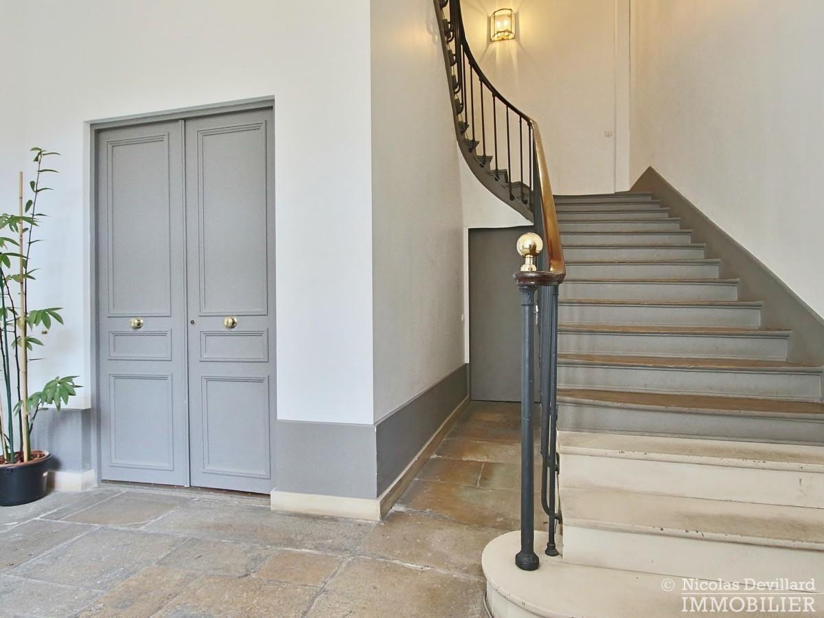 Place-des-VosgesTurenne-–-Somptueux-appartement-de-réception-au-calme-–-75003-Paris-42
