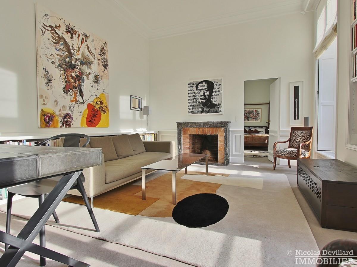 Place-des-VosgesTurenne-–-Somptueux-appartement-de-réception-au-calme-–-75003-Paris-6
