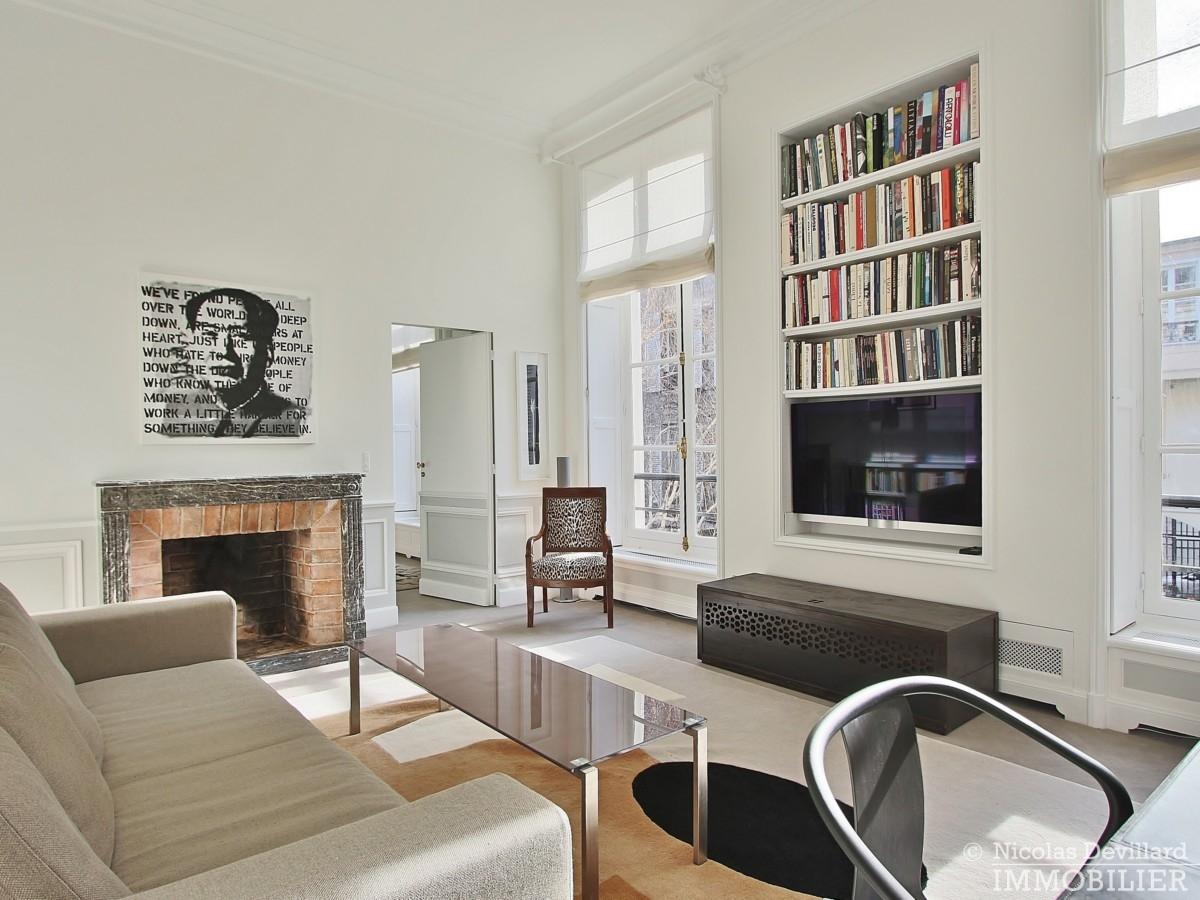 Place-des-VosgesTurenne-–-Somptueux-appartement-de-réception-au-calme-–-75003-Paris-7