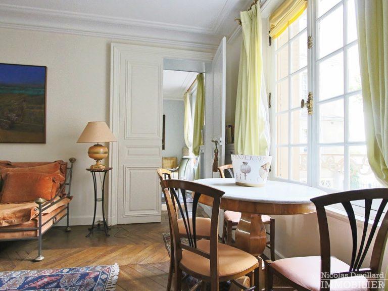 Rond-Point-des-Champs-Elysées-–-Calme-et-charme-en-plein-centre-75008-Paris-12