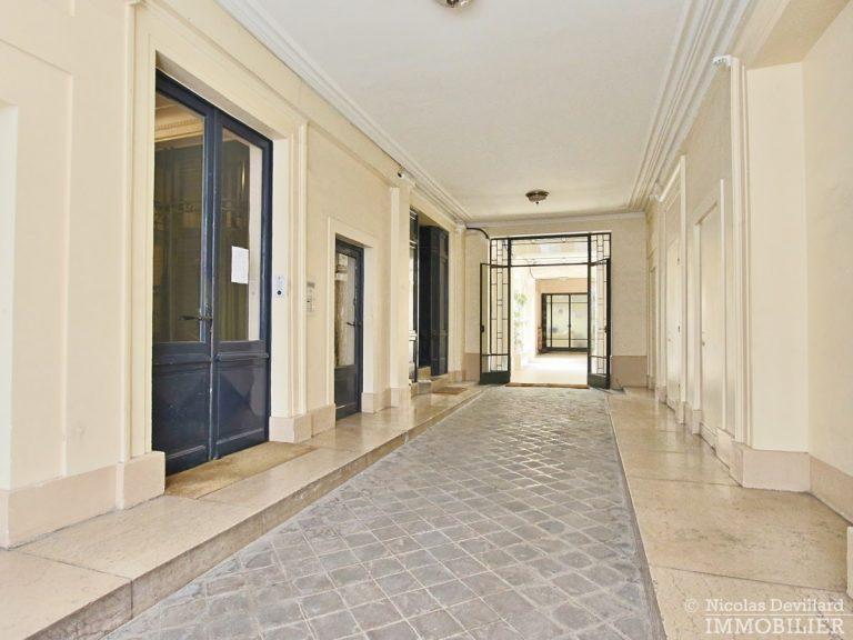 Saint-Georges-–-Belle-rénovation-classique-et-moderne-–-75009-Paris-34