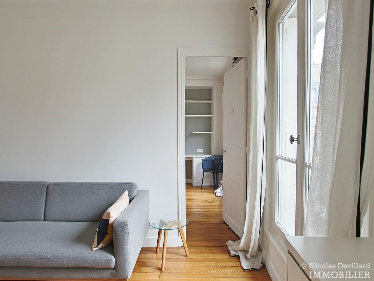 Saint-Germain-des-Prés-–-Jolie-vue-ensoleillé-et-rénové-–-75006-Paris-11