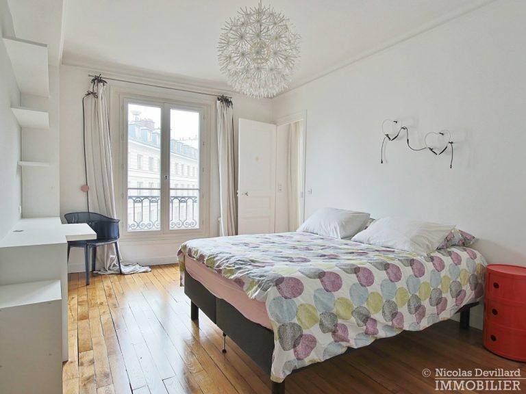 Saint-Germain-des-Prés-–-Jolie-vue-ensoleillé-et-rénové-–-75006-Paris-18